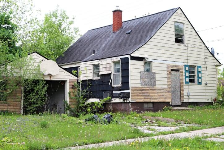 House That Needs Repairs in Colorado Springs
