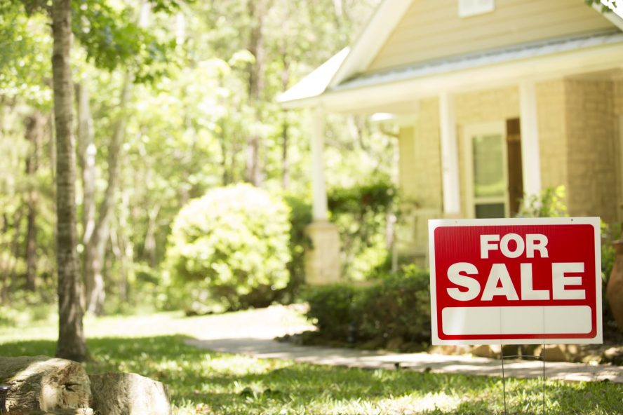 Is It Smart to Sell Your House to a Cash Buyer in Colorado Springs?